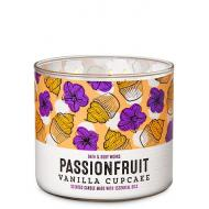 Bougie 3 mèches PASSIONFRUIT VANILLA CUPCAKE Bath and Body Works